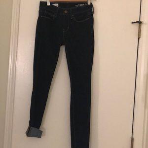 24r skinny Gap Jeans